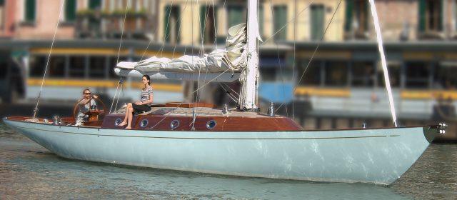 Spirit F James Bond 007 Luxury Yachts