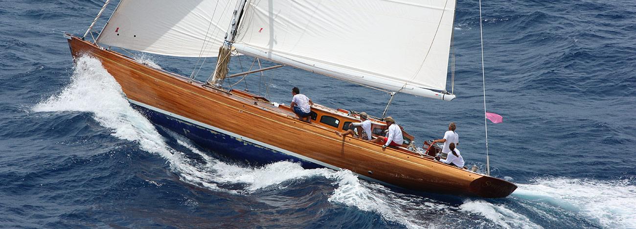 Spirit DH65 | Deckhouse | Luxury Superyacht