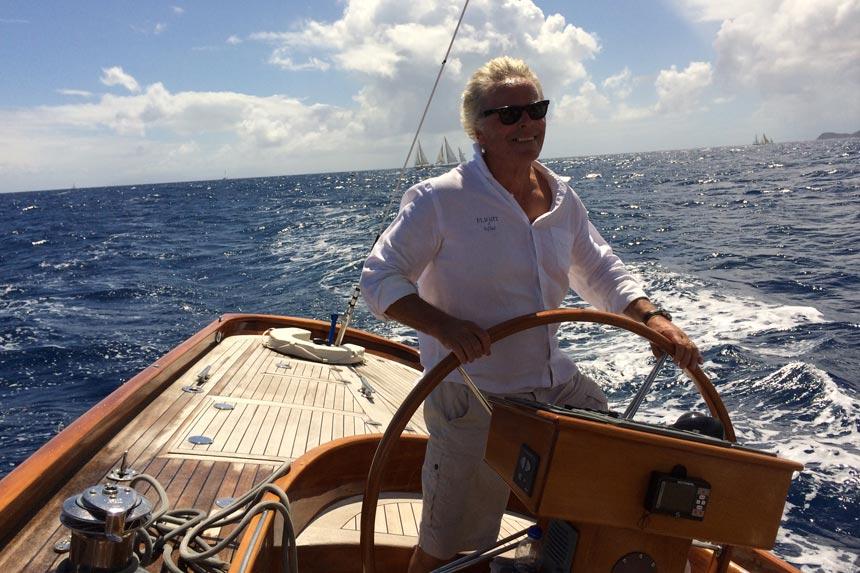spirit-yacht-flying-high