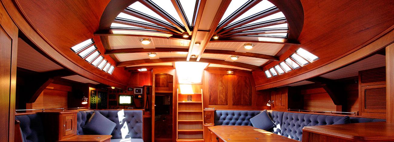 Spirit Yachts C74 Saloon